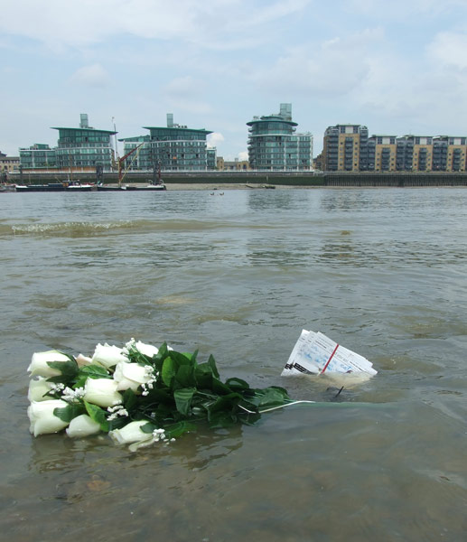 flowers and postcards of bad advice, sinking in the Thames